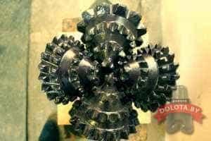Четырехшарошечное долото 295,3 СТ-ЦВ